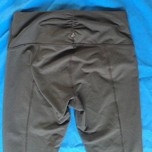 Prana Capri, small, charcoal